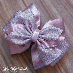 Laços Making Hair Bows, Diy Hair Bows, Ribbon Hair Bows, Diy Bow, Fabric Bows, Fabric Flowers, Stacked Hair, Bow Template, Boutique Hair Bows