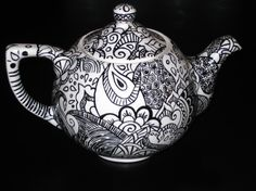 13)  Looks so much like the sketch I did for my teapot design <3 love love love