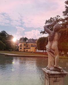 Did you know that offers evening tours through the trick fountains in July and August? check out our website for more information! City Life, Austria, Did You Know, Knowing You, Tourism, Travel Photography, Castle, Wanderlust, Europe