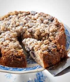 Breakfast Recipes for Gluten-Free Guys and Gals You can make this Gluten-Free Blueberry Coffee Cake in no time.You can make this Gluten-Free Blueberry Coffee Cake in no time. Gluten Free Recipes For Breakfast, Gluten Free Sweets, Gluten Free Breakfasts, Gluten Free Cakes, Gluten Free Cooking, Gluten Free Coffee Cake, Healthy Breakfasts, Brunch Recipes, Easy Dinner Recipes