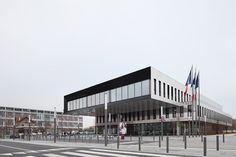 ecdm architectes has completed the new city hall of bezons, a commune in the suburbs of northwestern paris.