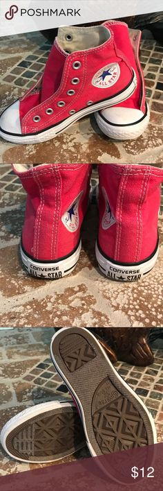 Converse size 11 youths. Very good condition, loses laces. Converse Shoes Sneakers
