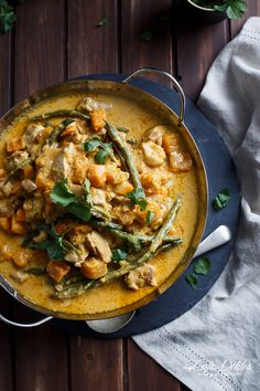 Chicken and Butternut Pumpkin Korma Curry Indian Food Recipes, Asian Recipes, Healthy Recipes, Baby Recipes, Paleo Food, Vegan Foods, Fish Recipes, Healthy Meals, Easy Meals