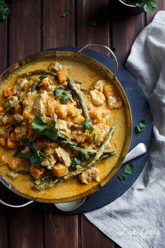 Chicken and Butternut Pumpkin Korma Curry | http://cafedelites.com