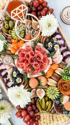 Charcuterie Recipes, Charcuterie Platter, Charcuterie And Cheese Board, Cheese Boards, Charcuterie Display, Party Food Platters, Cheese Platters, Food Trays, Cheese Appetizers