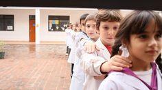 Produções nacionais e internacionais mostram inovação nas salas de aula.