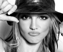 Britney Spears está trabajando en su nuevo disco, el cual podría salir este año.