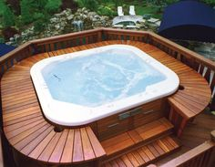 The first and essential thing when building an outdoor Jacuzzi is to discover a great view for it. Read more about outdoor Jacuzzi and spa. Jacuzzi Outdoor, Outdoor Spa, Week End Spa, Whirlpool Deck, Hot Tub Backyard, Backyard Pergola, Cozy Backyard, Pergola Roof, Pergola Kits