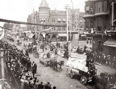 Bakersfield parade down Chester Ave., Bakersfield, CA 1898 Kern County California, Bakersfield California, Retro Pictures, Central Valley, Dolores Park, Street View, Around The Worlds, History, Tuck Everlasting
