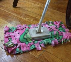 "~how to use scraps from fleece blankets for the ""Swifter"" dusters….. @ DIY Home Cuteness~"