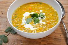Curry-Linsensuppe mit Süßkartoffel und Kokosmilch