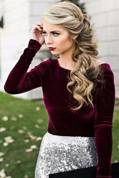recogidos sencillos, mujer con pelo largo, rubio, rizado, medio recogido, pelo al lado