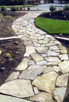Beautiful Walkway Designs and Ideas A stone walkway leading to my front door, and maybe one tracing the backyard. Beautiful Walkway Designs and Ideas A stone walkway leading to my front door, and maybe one tracing the backyard. Rock Walkway, Flagstone Walkway, Rock Path, Slate Walkway, Flagstone Flooring, Front Yard Landscaping, Landscaping Ideas, Backyard Patio, Inexpensive Landscaping