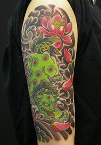 LUCKY ROUND TATTOOの色鮮やかな唐獅子のタトゥー 2