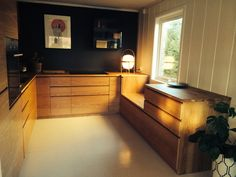 Fint kjøkken med Ikeaskrog, Studio10 fronter i eik og eikebenk! #studio10 #ikea #kjøkken #benkeplater