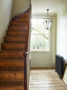 New Farmhouse Stairs Stairways Floors Ideas Farmhouse Stairs, Modern Farmhouse, Farmhouse Style, Farmhouse Interior, Style At Home, Wooden Stairs, Rustic Stairs, Deco Design, Interior Exterior