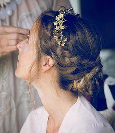 """Navascués en Instagram: """"Un peinado ideal para acabar la semana! Sois de recogidos con trenzas? Nosotras mucho! Foto: @myo_photo #novia #bride #boda #wedding #peinado #hairdo #hairstyle #weddinginspiration #diseñadora #madrid #hechoamano"""""""