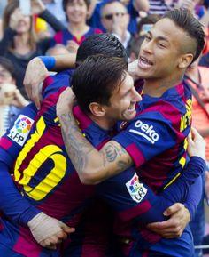 Neymar Jr e a galera do #Barça. #ViscaBarça