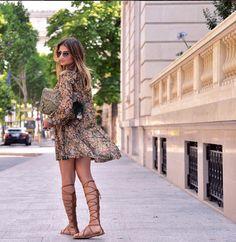 thassia-naves-vestido-floral-sandália-rasteira-gladiadora-2015-2016