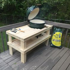 Couldn't even wait to finish building the #grill stand before using my #birthday present. @biggreenegginc  My parents got me the LG which they bought from my buddies @adventuresportsau in #Auburn This thing is #AWESOME And really my first time cooking on a grill. My lovely wife make and marinated the #burgers blend of ground sirloin and chuck. We got the idea from #howtobbqright @killer_hogs_bbq Turned out great! Love the #lumpcharcoal  I #thank #God for #fire and #meat  #man #cool #food…