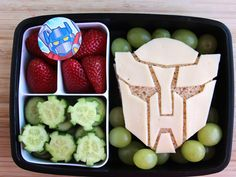 Beau Coffron is a San Francisco dad who has gained significant Internet fame for the totally awesome lunches he packs for his kids on school days. On his website LunchboxDad, Coffron shares just how he pulls off these magnificently creative lunchbox creations. Check out some of his greatest work. How lucky are these kids?!