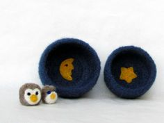 Felt bowls blue  Cozy little vessel with yellow por theYarnKitchen, $32.90