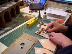 Iglesia Faller: construcción de un kit que reproduce una pequeña iglesia rural de los Alpes.