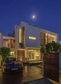 The Overhang House by Design & Development Atelier
