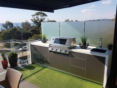 Küche im Freien Mornington Peninsula Melbourne - - Modular Outdoor Kitchens, Outdoor Kitchen Grill, Outdoor Barbeque, Backyard Kitchen, Outdoor Kitchen Design, Barbecue, My Patio Design, Built In Grill, Indoor Outdoor Living