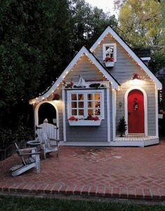 33 Best Tiny House Plans Small Cottages Design Ideas - All For Backyard Ideas Small Cottage Designs, Small Cottage House Plans, Small Cottage Homes, Cottage Floor Plans, Small House Plans, Tiny Homes, Backyard Playhouse, Playhouse Ideas, Childs Playhouse