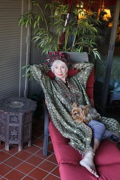 ADVANCED STYLE: A Tour of Gretchen Schields California Home