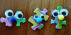 You'll be happy to know that you can use those old puzzle pieces in crafts. On How to Make Crafts: Using Puzzle Pieces you'll find over 30 ideas that you'll want to try. Site names and tutorials also. Girl Scout Swap, Girl Scout Leader, Girl Scout Troop, Hat Crafts, Crafts To Make, Crafts For Kids, Toddler Crafts, Les Scouts, Daisy Girl Scouts