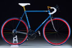 Campione, Classico Moderno Literally made my jaw drop in envy. Build A Bike, Speed Bike, Fixed Gear Bike, Vintage Bikes, Retro Bikes, Bicycle Race, Bicycle Maintenance, Cool Bike Accessories, Bike Art