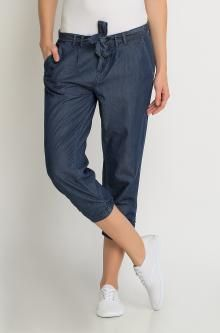 Női farmer bermudanadrág Capri Jeans, Holiday Looks, Holiday Outfits, Farmer, Mom Jeans, Pants, Fashion, Clothing, Trousers