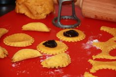 Mrkvánky s povidly Ravioli, Muffin, Cookies, Breakfast, Food, Plum Jam, Top Recipes, Dessert Ideas, Baking