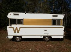 hahaha this is vintage, love it ! Classic Campers, Classic Trailers, Retro Campers, Camper Trailers, Vintage Campers, Vintage Motorhome, Vintage Rv, Vintage Travel Trailers, Cabover Camper