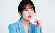 Uploaded by Tsang Eric. Find images and videos about gif on We Heart It - the app to get lost in what you love. Kpop Girl Groups, Kpop Girls, My Girl, Cool Girl, Red Velvet Irene, Red Queen, Korean Makeup, Queen Bees, Me As A Girlfriend