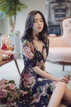 Yun Seon Young milkcocoa women t Pretty Asian, Beautiful Asian Women, Beautiful Models, Fashion Models, Girl Fashion, Fashion Dresses, Classy Fashion, Korean Beauty, Asian Beauty