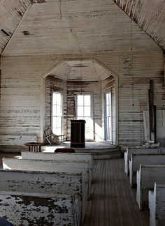 abandoned church, would love to make some kind of store in an old building like this,,,love old churches!