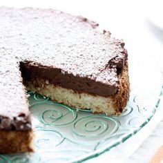 Gluten-Free Coconut and Chocolate Cake. #glutenfree #grainfree #cakes #desserts