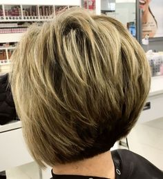 The Full Stack: 50 Hottest Stacked Haircuts feathered two-tone pixie bob Short Shaggy Haircuts, Stacked Haircuts, Inverted Bob Hairstyles, Bob Haircut With Bangs, Haircuts For Fine Hair, Medium Bob Hairstyles, Pixie Haircuts, Braided Hairstyles, Hairdos