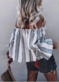 summer outfits Black Striped Off The Shoulder Top Ripped Denim Short Summer Outfits, Casual Outfits, Cute Outfits, Summer Ootd, Black Women Fashion, Womens Fashion, Boho Fashion, Fashion Outfits, Net Fashion