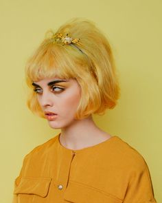 "April Issue of Nylon Magazine ""Monochromatic"" Photographed by Amanda Jasnowski. Photo Portrait, Portrait Photography, Fashion Photography, Pretty People, Beautiful People, Photographie Portrait Inspiration, Foto Art, Mellow Yellow, Mustard Yellow"