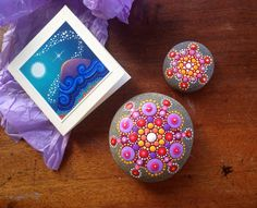 my gorgeous new painted pebbles by Elspeth McLean by MagaMerlina, via Flickr