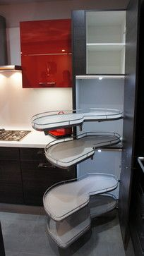Burger tall pantry with le mans corner : 4 swivel shelves. Convenient usage for corner pantry