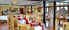 restaurant in Pelican Cruise