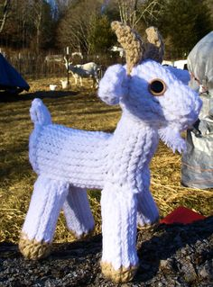 Blog link for written pattern: http://theloommuse.blogspot.com/2015/01/how-to-loom-knit-goat.html Website: http://scarlettroyale.webs.com/ Facebook: https://...