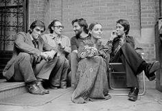 L'acteur Fabio Testi, le romancier Bernard Frank, le réalisateur Andrzej Zulawski, Romy Schneider et Jacques Dutronc sur le tournage de L'important c'est d'aimer en 1975.