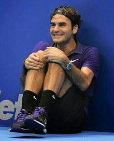 Swiss tennis player Roger Federer jokes to hide picture in Sao Paulo Sport Tennis, Le Tennis, Rafael Nadal, Serena Williams, Maria Sharapova, Osaka, Roger Federer Family, Kim Clijsters, Tennis Funny