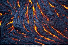 molten-pahoehoe-lava-formations-in-volcanoes-national-park-hawaii-a08te5.jpg…